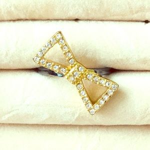 Marc by Marc Jacobs crystal elements bow ring